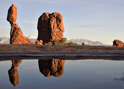 water, rocks, Arches National Park, sunlight, reflections - random desktop wallpaper