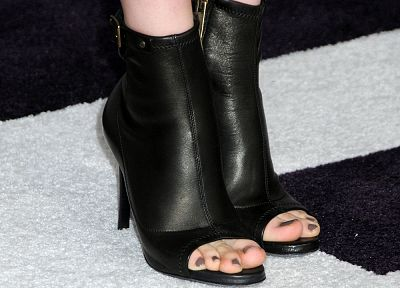 feet, high heels, Chloe Moretz - related desktop wallpaper