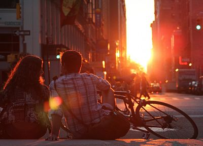 women, sunset, love, streets, bicycles, couple, traffic lights, guy, citylife - related desktop wallpaper