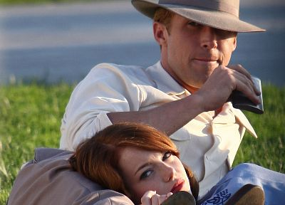women, movies, grass, Emma Stone, Ryan Gosling, hats - random desktop wallpaper