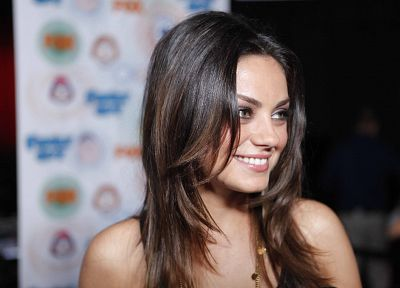 brunettes, women, Mila Kunis - random desktop wallpaper