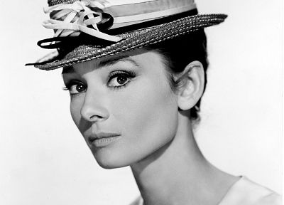 actress, Audrey Hepburn, grayscale - random desktop wallpaper