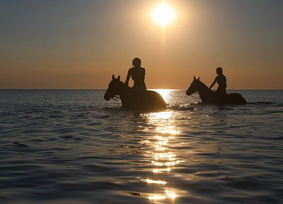 women, Sun, horizon, silhouettes, horses, sea - random desktop wallpaper