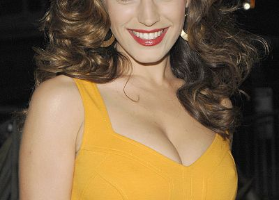 Kelly Brook, yellow dress - random desktop wallpaper