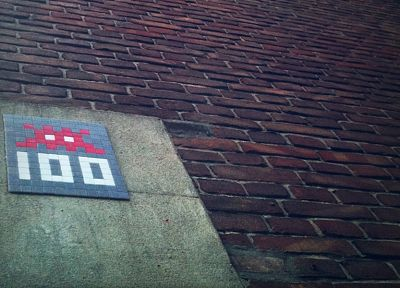 graffiti, Invader (artist), Space Invaders, street art - related desktop wallpaper