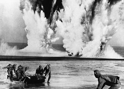 black and white, war, explosions, old photo - desktop wallpaper