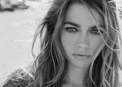 women, Denise Richards, monochrome, faces - desktop wallpaper