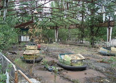 Pripyat, amusement park, abandoned city, bumper cars - random desktop wallpaper
