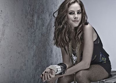celebrity, Skins (TV), Kaya Scodelario, bracelets - random desktop wallpaper