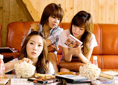 women, couch, movies, Girls Generation SNSD, celebrity, Kim Taeyeon, Choi Sooyoung, popcorn, Lee Soon Kyu, bangs - random desktop wallpaper