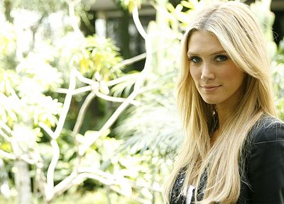 blondes, Delta Goodrem, singers, Australian - related desktop wallpaper