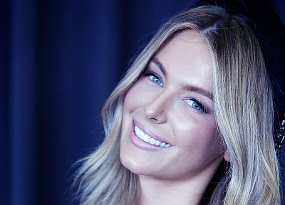 blondes, women, close-up, celebrity, Jennifer Hawkins, smiling, faces, blue background - desktop wallpaper