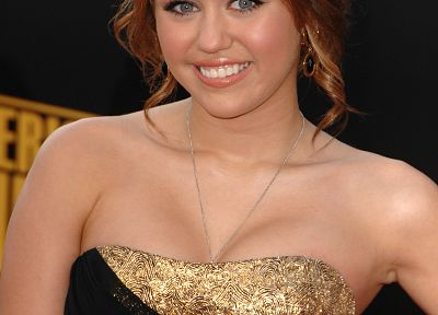 brunettes, women, Miley Cyrus, actress, celebrity, singers - related desktop wallpaper
