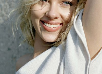 blondes, women, Scarlett Johansson, actress, smiling - related desktop wallpaper