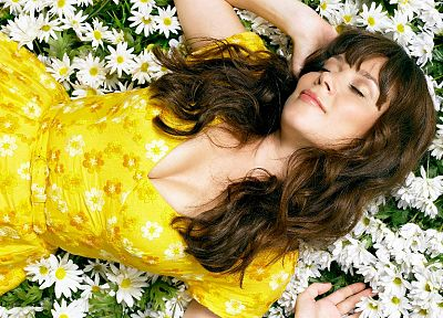 Zooey Deschanel - desktop wallpaper