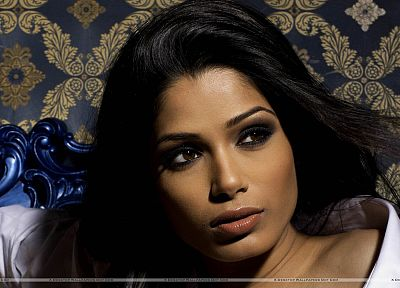 brunettes, women, eyes, Freida Pinto - related desktop wallpaper