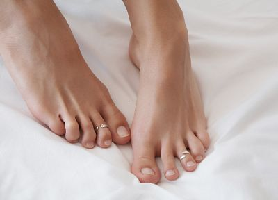 feet, barefoot, toe rings - random desktop wallpaper