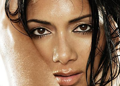 brunettes, women, wet, celebrity, brown eyes, Nicole Scherzinger, TagNotAllowedTooSubjective - random desktop wallpaper