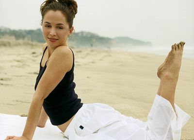 women, Eliza Dushku, barefoot - related desktop wallpaper