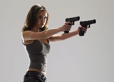 brunettes, women, Summer Glau, weapons, Terminator The Sarah Connor Chronicles, Cameron Phillips - random desktop wallpaper