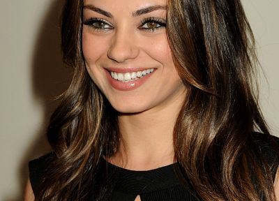 brunettes, women, Mila Kunis, actress, smiling - random desktop wallpaper