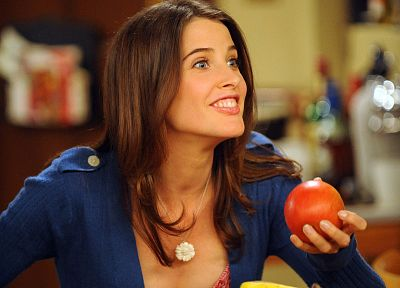 women, bananas, Cobie Smulders, How I Met Your Mother, Robin Scherbatsky - desktop wallpaper