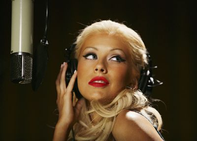 Christina Aguilera - random desktop wallpaper