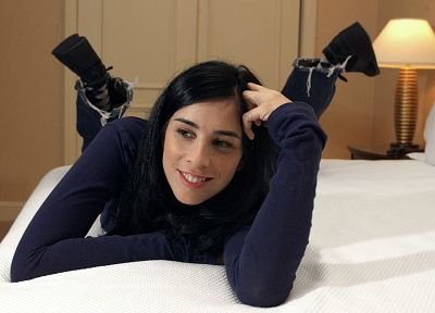 women, beds, Sarah Silverman - random desktop wallpaper