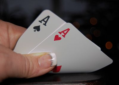 cards, fingernails - random desktop wallpaper