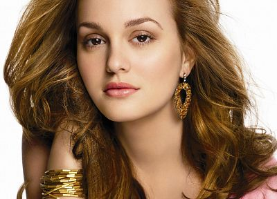 Leighton Meester - random desktop wallpaper