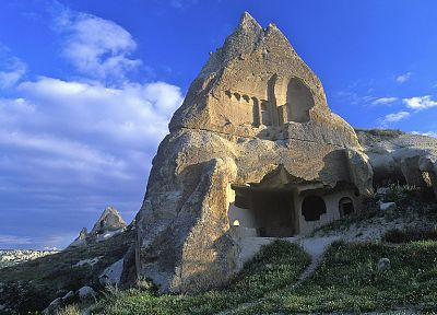Turkey, Cappadocia, stone houses - desktop wallpaper