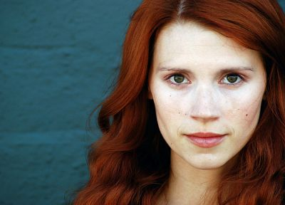 women, redheads, freckles, Julie McNiven, portraits - random desktop wallpaper