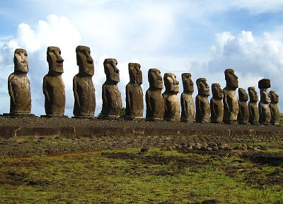Easter Island, moai - random desktop wallpaper