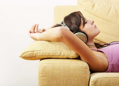 headphones, brunettes, women - desktop wallpaper