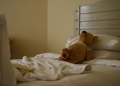 beds, pillows, stuffed animals, dolls, teddy bears - duplicate desktop wallpaper