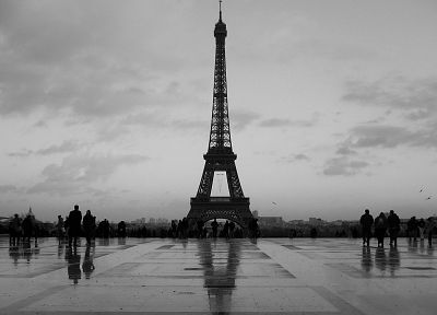 Eiffel Tower, Paris, monochrome - random desktop wallpaper
