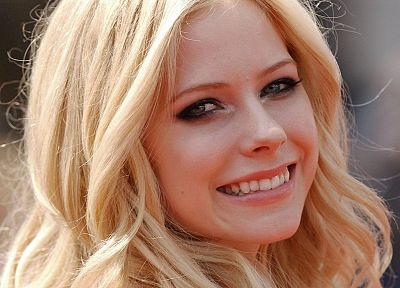 women, Avril Lavigne, celebrity, TagNotAllowedTooSubjective - desktop wallpaper