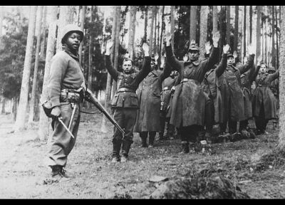 soldiers, forests, Nazi, grayscale, US Army, World War II, historic, German, prisoners of war, arms raised, 1945 - desktop wallpaper