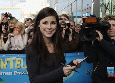 Lena Meyer-Landrut - desktop wallpaper