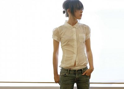 women, Ellen Page, white, actress, shirts - random desktop wallpaper