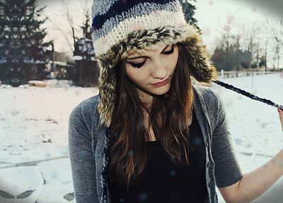 brunettes, women, winter, snow, eyes, models, outdoors, wool, hats, faces - related desktop wallpaper