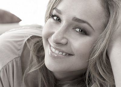 blondes, women, actress, Hayden Panettiere, celebrity, smiling, monochrome, faces - desktop wallpaper