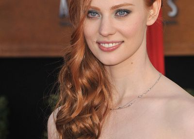 Deborah Ann Woll - related desktop wallpaper
