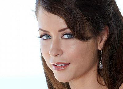 brunettes, women, close-up, eyes, blue eyes, Emily Addison, simple background, faces - desktop wallpaper