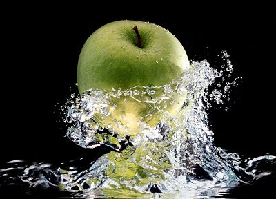 water, macro, apples - desktop wallpaper