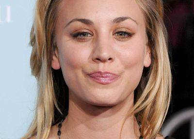 women, actress, Kaley Cuoco, smiling - related desktop wallpaper