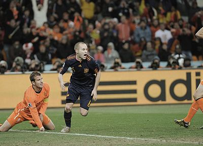 Andres Iniesta, Joris Mathijsen - desktop wallpaper