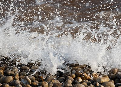 water splash, sea, pebble - random desktop wallpaper