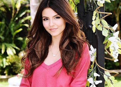 brunettes, women, Victoria Justice - random desktop wallpaper