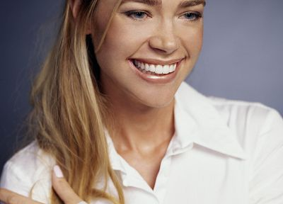 Denise Richards - random desktop wallpaper